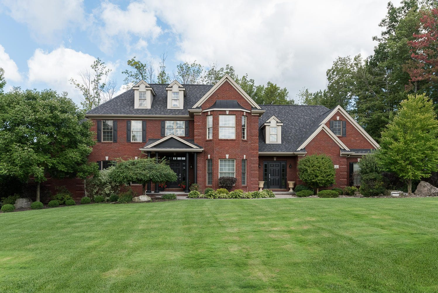 24 birdsong parkway thomas johnson realty for Orchard park